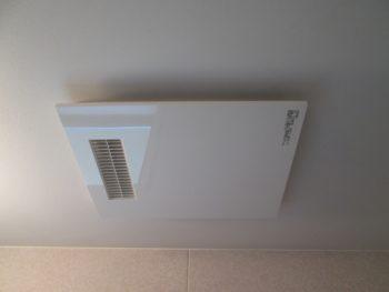 浴室に換気乾燥暖房機を新設リフォーム工事