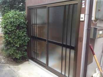 玄関引き戸を超シンプルに取り換えさせていただきました