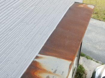 雨漏りの原因となる劣化した出窓の庇をリニューアル