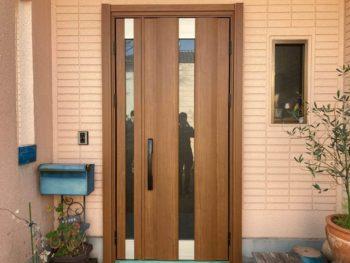 玄関ドアの交換も1日工事で完了!!